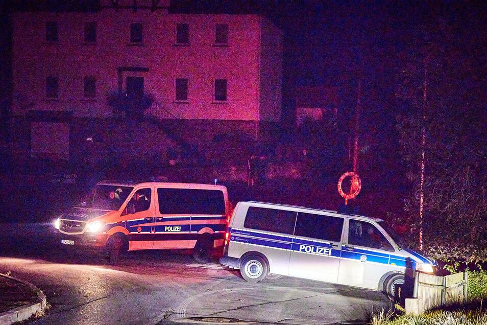 Die Polizei beendete am Sonnabendabend einen rechten Liederabend in Kleinhennersdorf.