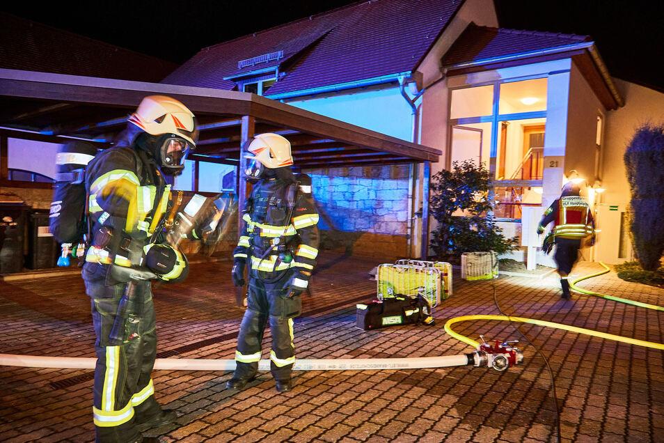 Feuerwehr Neundorf, hier bei einem Einsatz im März 2020: Die Kameraden brauchen dringend mehr Platz.