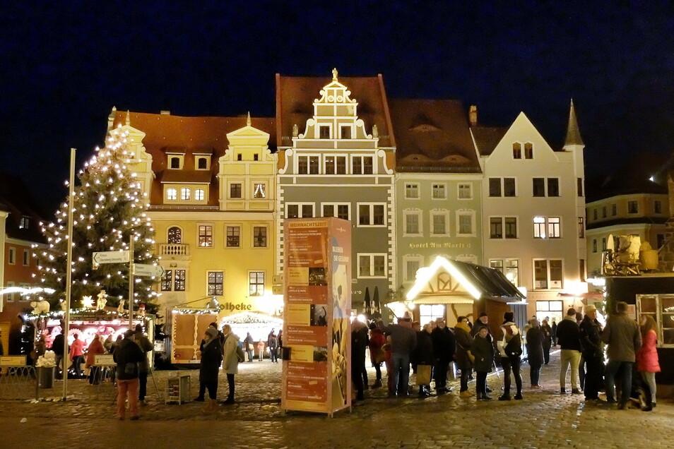 Am ersten Advent versuchte es Meißen mit einer Mini-Weihnacht in der Altstadt. Aus einigen Fenstern wurde Glühwein verkauft. Gruppen bildeten sich. Gegen eine Wiederholung gibt es große Bedenken.
