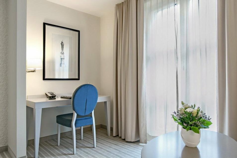 Einige Hotels im Landkreis vermieten während des Lockdowns ihre Zimmer als Büros. So wie hier das Dorint Hotel in Meißen.