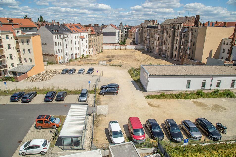 Blick vom Landratsamt aus in den Hinterhof, wo die Erweiterungsbauten entstehen sollen.