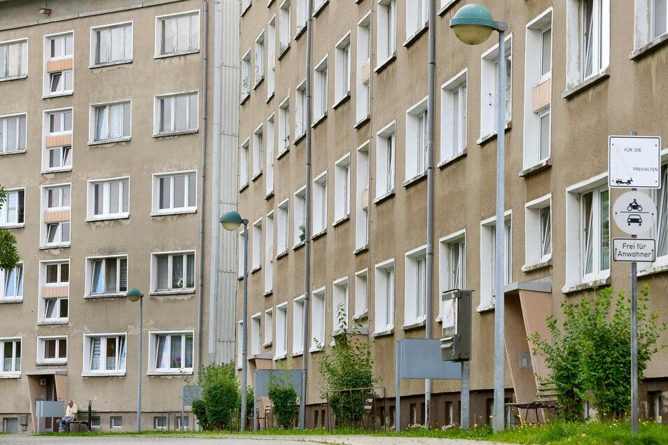 Neubaublock in Zittau: Wenn saniert oder modernisiert wird, können sich sozial Schwache die Wohnungen oft nicht mehr leisten.