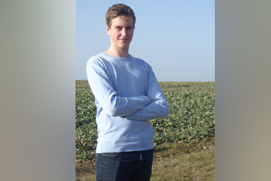 """Felix Elenkow (17): """"Ich finde es gut, dass wir nur in den prüfungsrelevanten Fächern unterrichtet werden. Dadurch hat sich die Unterrichtszeit verkürzt und ich bin viel aufnahmebereiter. Auch im Lernstoff hinken wir nicht hinterher, in Physik sind wir vo"""