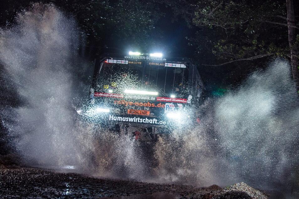 Bei der Breslau-Rallye gibt es eine Nacht-Etappe.