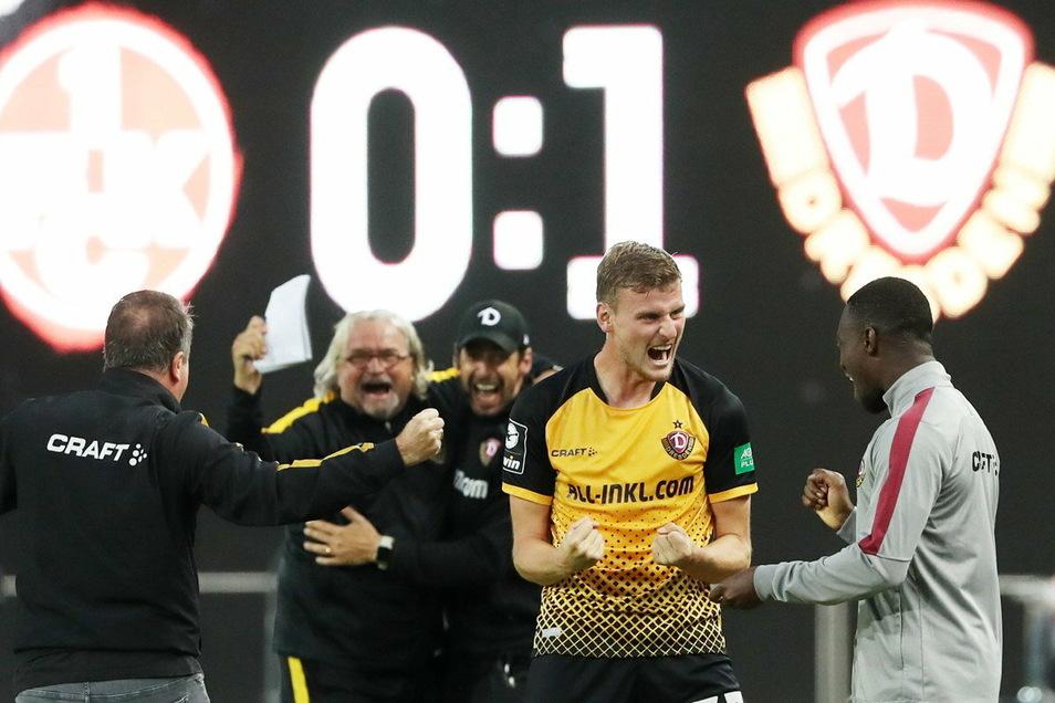 Der Jubel war groß nach dem Auftaktspiel: 1:0 gewann Dynamo in Kaiserslautern. Nun kommt es zum Wiedersehen mit dem Traditionsverein, der auf einem Abstiegsplatz steht.