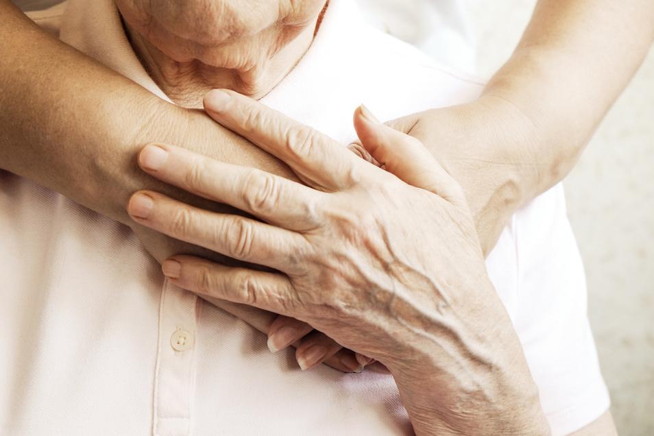 Es ist keine Altersfrage, ob eine Begleitung zum Arztbesuch sinnvoll ist oder nicht.