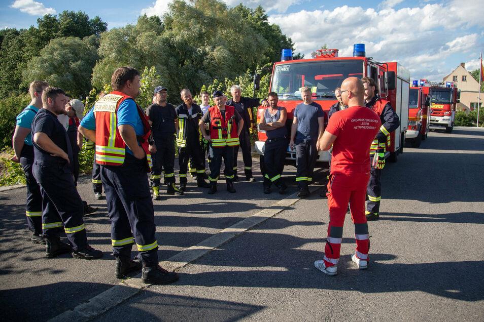 Rund 100 Rettungskräfte suchten am Mittwoch in und um Gersdorf bei Kamenz nach einem verschwundenen Mädchen. Noch zwölf Stunden wurde es gefunden.