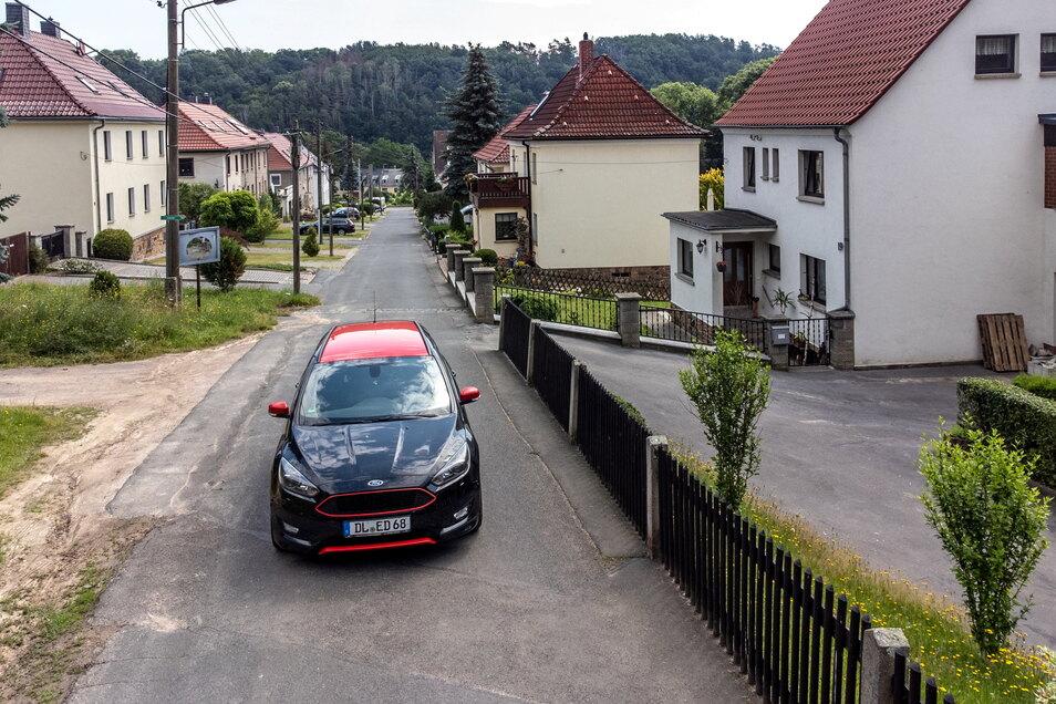 Die Straße Am Pferdeberg in Ebersbach könnte in diesem Jahr eine neue Oberfläche erhalten.
