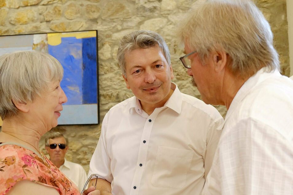 Dieses Foto entstand vor knapp zwei Jahren zum 50. Geburtstag von Landrat Arndt Steinbach (m.) Er feierte mit seinen beiden Vorgänger-Landräten Renate Koch (Meißen) und Rainer Kutschke (Riesa). Wer aber wird jetzt sein eigener Nachfolger?