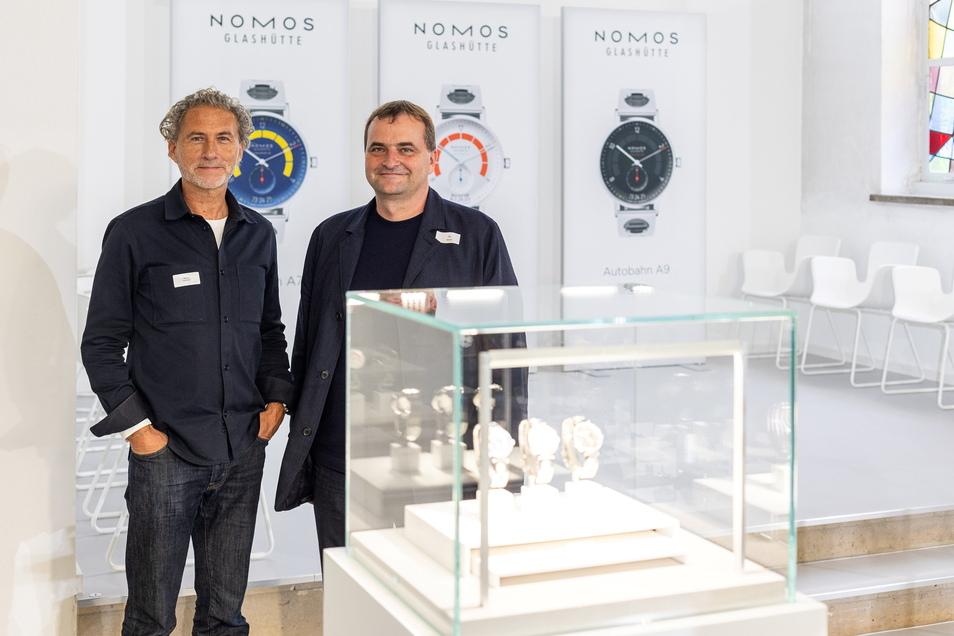 Designer Werner Aisslinger und Nomos-Geschäftsführer Uwe Ahrendt präsentierten die drei neuen Varianten des Modells Autobahn.