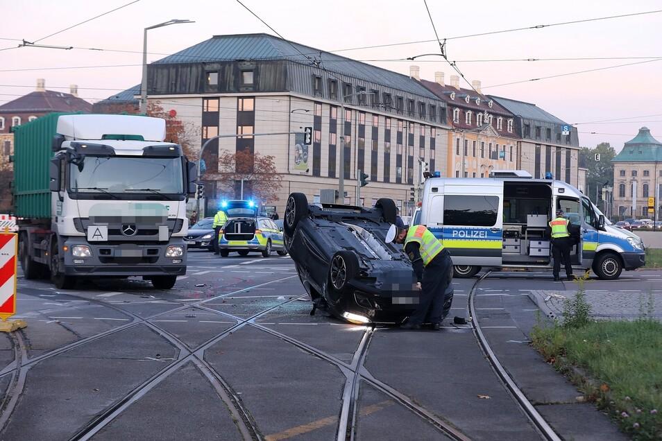 Blick auf die Unfallstelle am Neustädter Markt