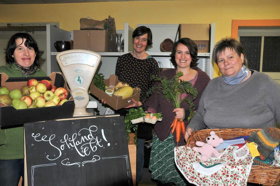 """Die Mitglieder von """"Sohland lebt"""" bieten Lebensmittel über einen Bestellservice an."""
