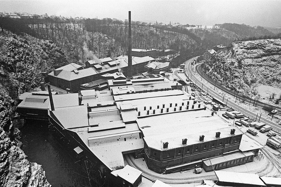 In der Felsenkeller-Brauerei im Plauenschen Grund wird 1987 noch Bier gebraut.