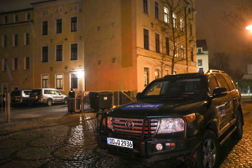 In diesem Haus an der Dresdner Straße/Ecke Kantstraße in Freital passierte das Unglück.