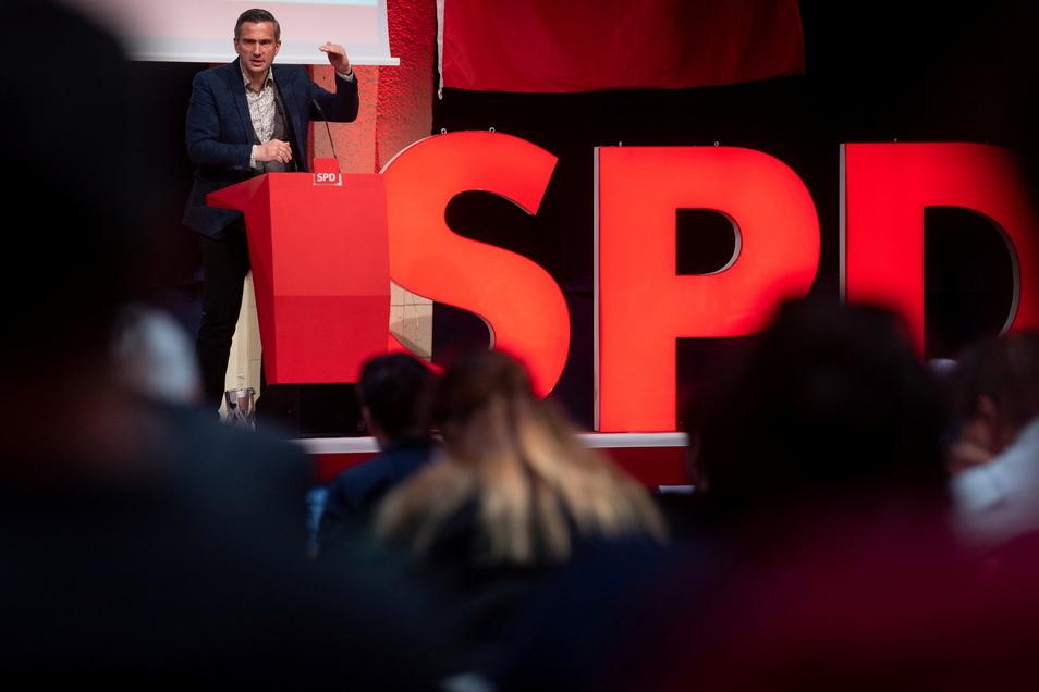 Martin Dulig (SPD), Landesvorsitzender der SPD Sachsen, spricht auf dem Landesparteitag der SPD in Leipzig.
