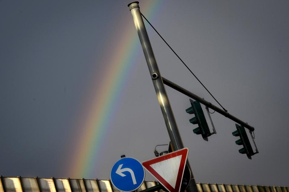 Regen, Gewitter und auch mal Sonne nebst steigenden Temperaturen bestimmen das Wetter in Sachsen in den kommenden Tagen.