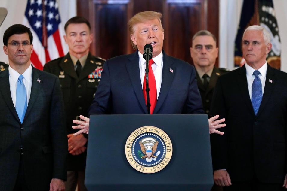 Die USA würden Irans Aggressionen nicht unbeantwortet lassen, erklärte US-Präsident Donald Trump am Mittwoch im Weißen Haus. Ihre militärische Stärke wollen die USA aber nicht anwenden.