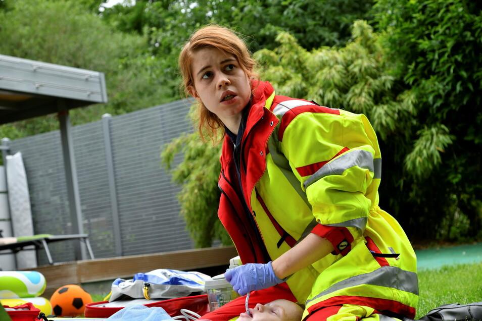 Luise Aschenbrenner steht als Sanitäterin Greta Blaschke im Mittelpunkt des Falls. Die 25-Jährige gehört zum Ensemble des Dresdner Schauspielhauses.