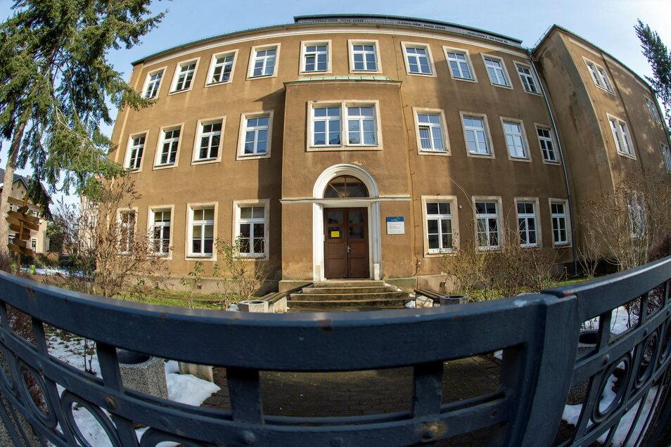 Das jetzige Oberschulgebäude ist verschlissen. Daher plant die Stadt Radebeul einen Neubau.