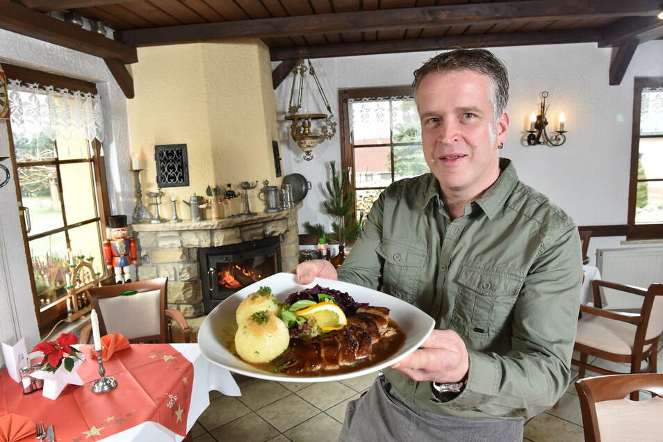 Der Ammelsdorfer Gastwirt Peer Kempe hofft derzeit auf eine Öffnung seiner Gaststätte Eschenhof zu Ostern. Langfristig hofft er auf die Öffnung der Mauerkrone der Talsperre Lehnmühle für eine touristische Belebung der Region.