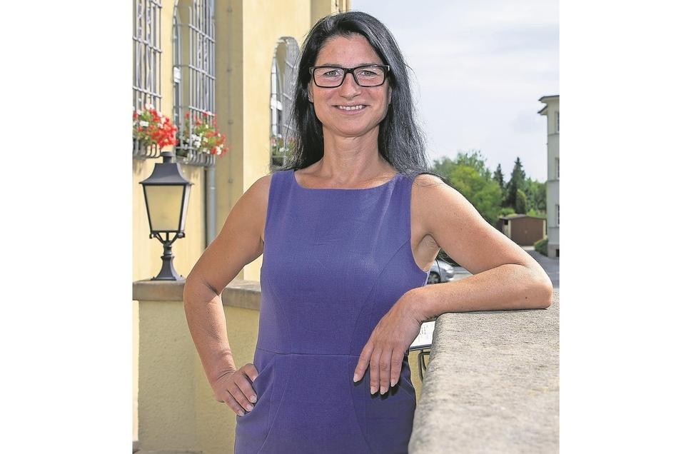 Hier will Daniela Lobe (42, Linke) künftig das Sagen haben: im Heidenauer Rathaus.