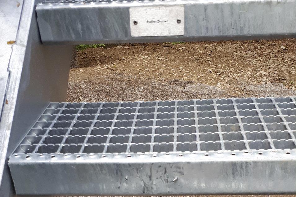 An der unteren Stufe des Rodugturms war einst auch ein Spendenschild vorhanden. Neun Stück dieser Art wurden entfernt.