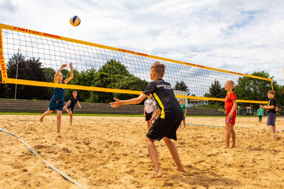 Die Beachvolleyball-Anlage an der Straße des Friedens war diese Woche einer der Schauplätze der ersten Hoyerswerdaer Feriensportwoche.