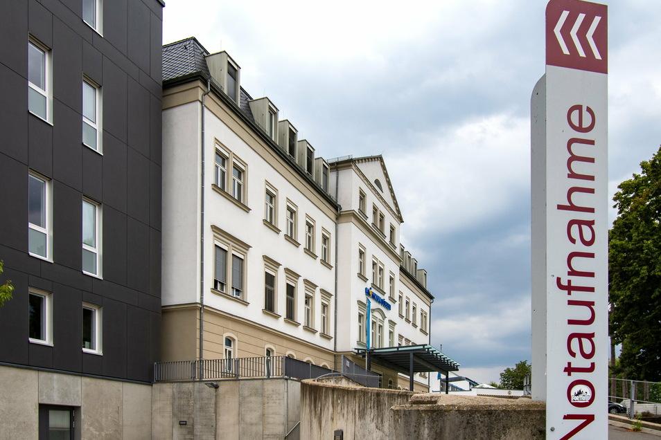 Das Krankenhaus in Döbeln hat ein Test-Konzept für Mitarbeiter und Patienten aufgestellt. Wer stationär aufgenommen werden muss, bekommt einen Antigen- Schnelltest.
