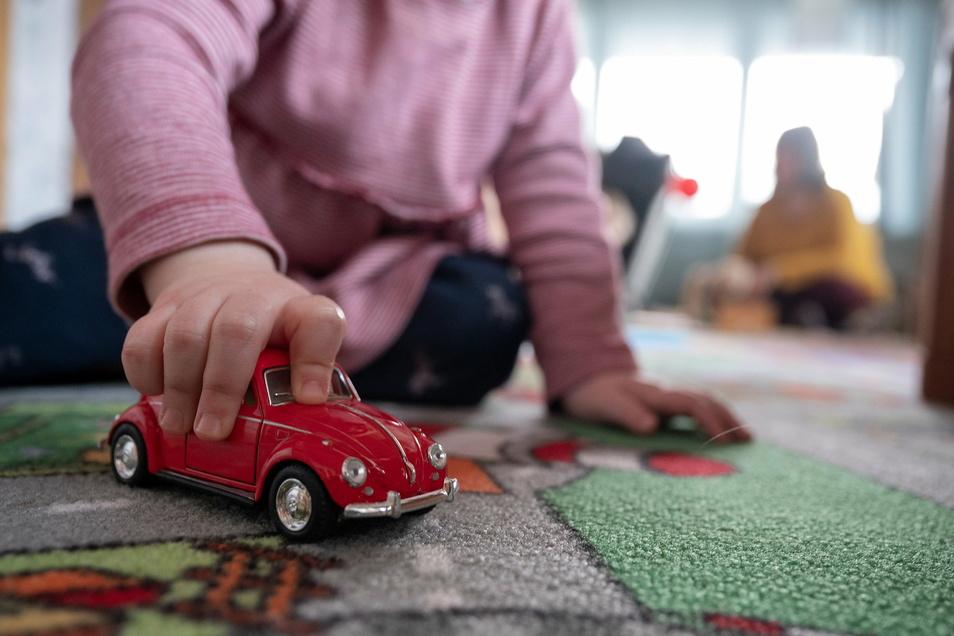 Das Spielzeug in den Kitas gehört zu den Sachkosten. Sie werden aus Zuschüssen bestritten, welche die Stadt an die einzelnen Einrichtungen zahlt.
