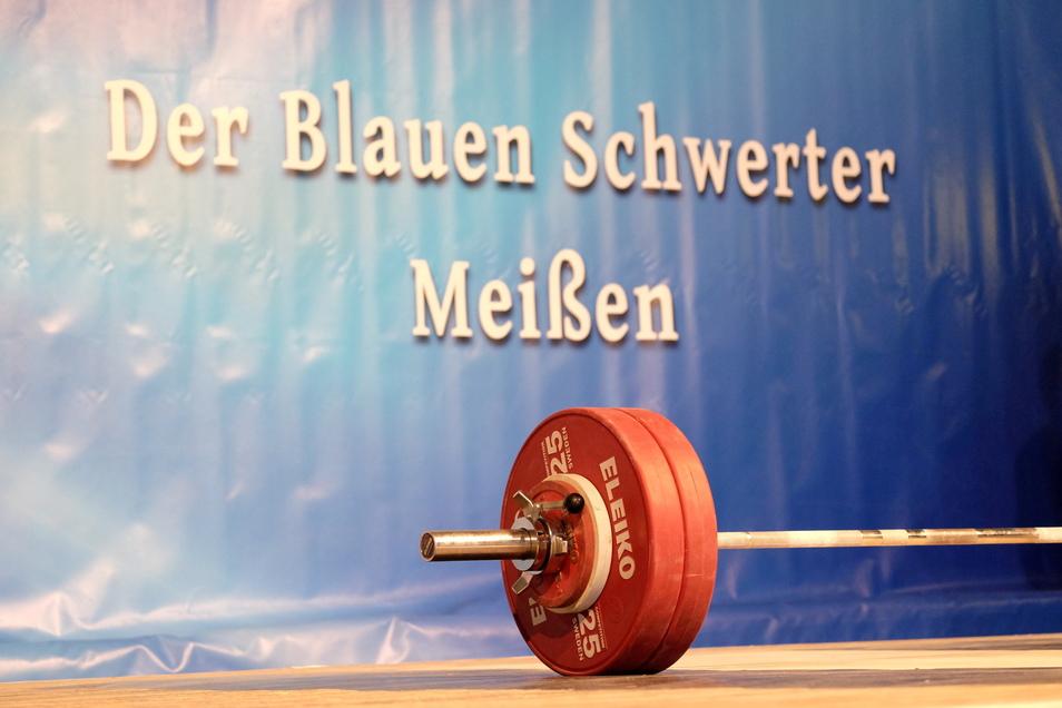 Die Gewichtheberbühne in der Meißner Halle Am Heiligen Grund bleibt am 12. Juni leer.