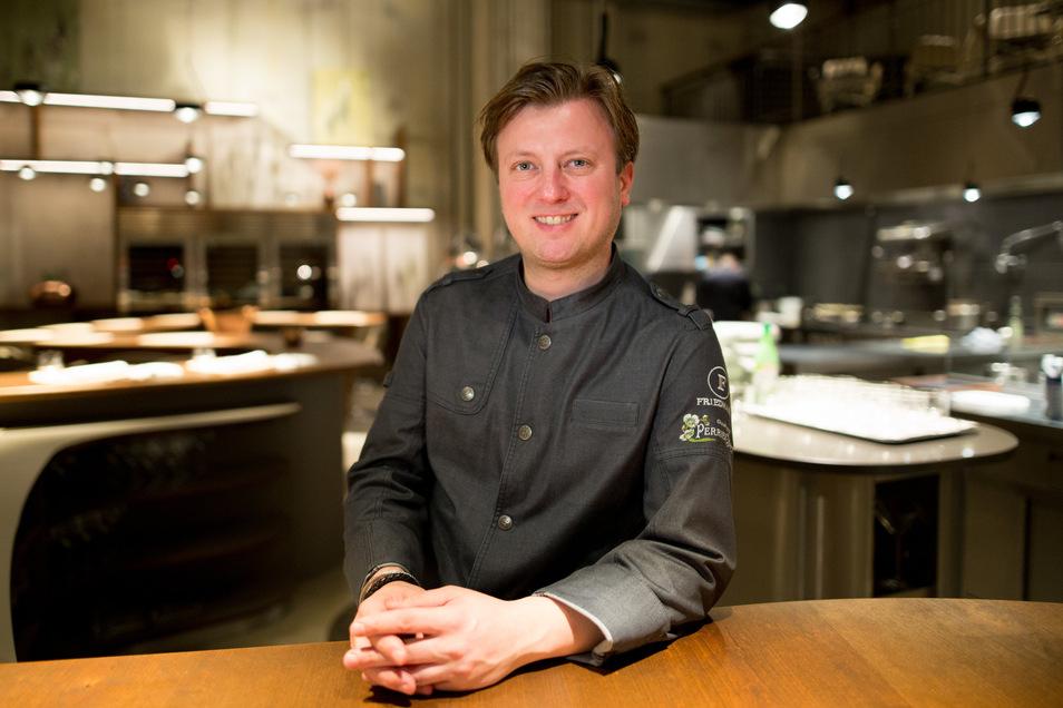 """Kevin Fehling bleibt mit seinem Hamburger Restaurant """"The Table"""" in der Hafencity weiter an der Spitze der Sterne-Köche in Deutschland."""