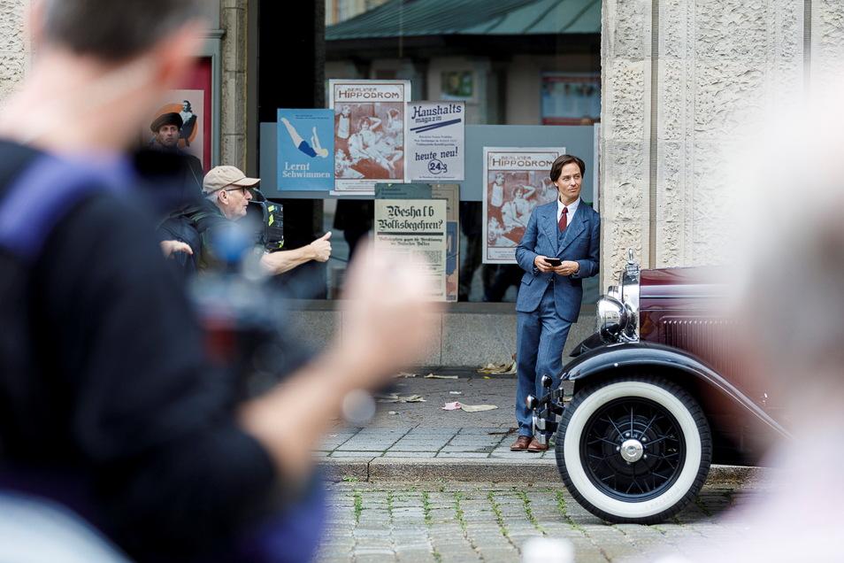 Dreharbeiten vorm Görlitzer Kaufhaus mit Tom Schilling und Regisseur Dominik Graf.