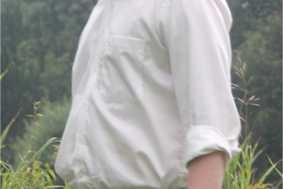 Christian Reck (AfD)  Christian Reck ist Jahrgang 1987, Kaufmann für Groß- und Außenhandel und ledig. Er wohnt in Gröditz, Ortsteil Nauwalde und arbeitet in einem landwirtschaftlichen Betrieb.  Ein ausführliches Interview mit Christian Reck finden Sie hier.