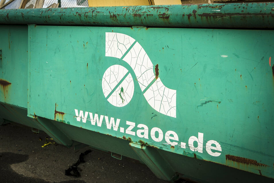 Ein Sperrmüllcontainer auf dem Wertstoffhof des ZAOE in Groptitz.