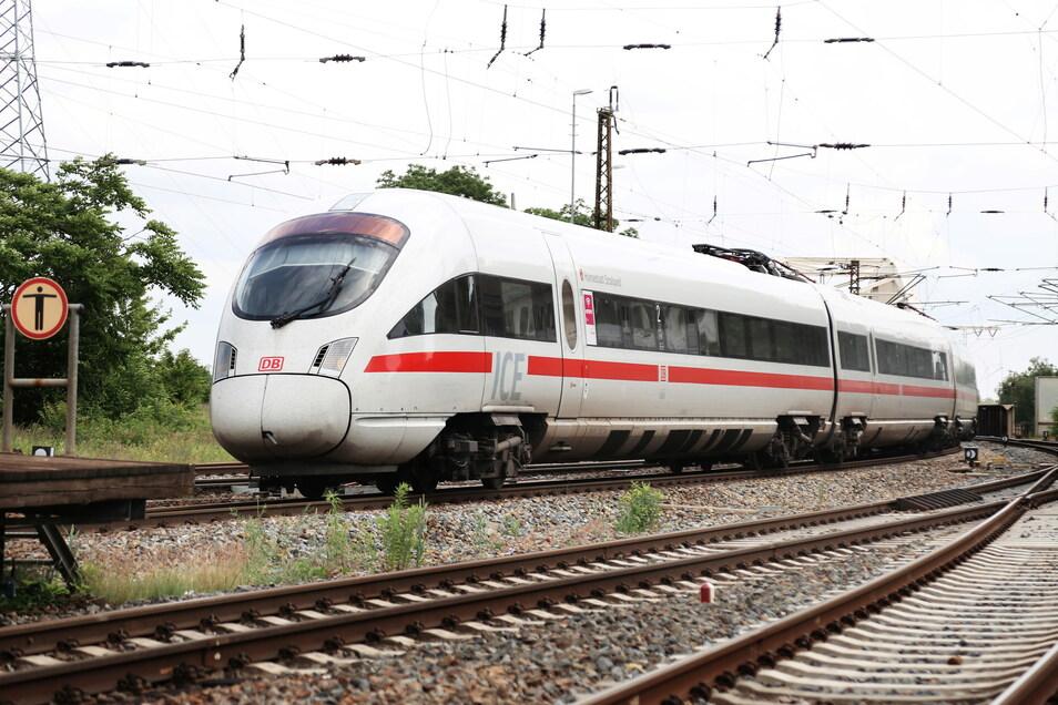 Auf der IC-Strecke Dresden-Berlin hat es am Ostermontag in Frauenhain ein Unglück gegeben. (Symbolbild)
