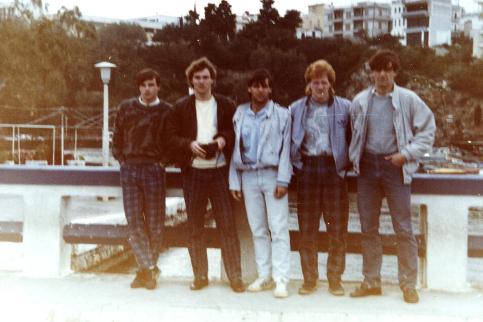 Jörg Stübner, Mathias Döschner, Ulf Kirsten, Mathias Sammer und Ralf Minge (v.l.) bei einer Länderspielreise Ende der 1980-er Jahre.