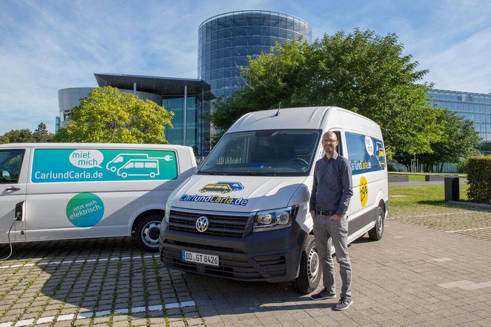 Der Autovermieter CarlundCarla hat seine Flotte um 100 neue VW-Transporter erweitert. Im Bild: Richard Vetter, Mitgründer von CarlundCarla