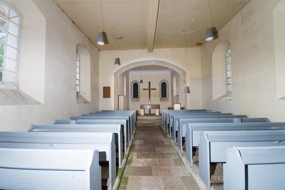 Anno 2017: So sah das Innere der Streumener Kirche vor der Sanierung aus. Künftig wird alles deutlich farbenfroher sein. Auch Kirchenbänke wird es nicht mehr geben, stattdessen Stühle.