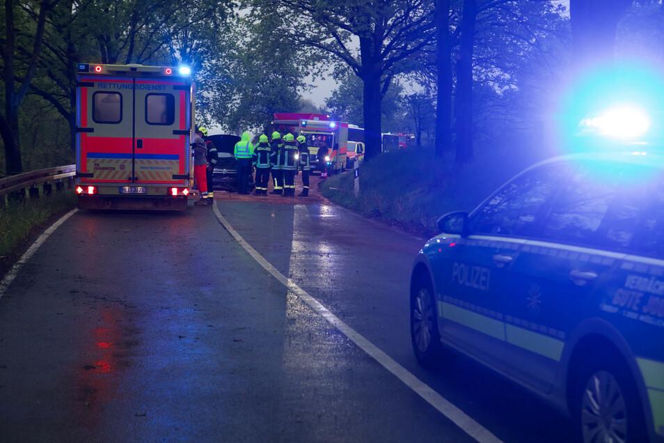 Eine Ölspur war die Ursache für zwei Unfälle zwischen Berbisdorf und Radeburg.