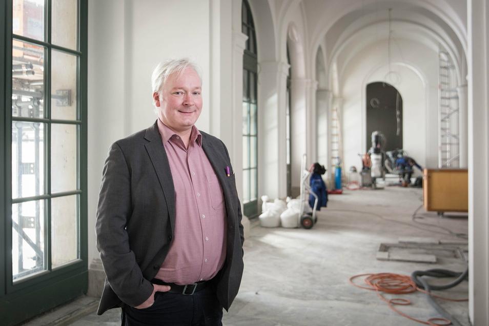 Sachgebietsleiter Holger Krause vom Baubetrieb des Freistaats freut sich, dass der Ausbau des Empfangsbereiches der Zwingerausstellung im Französischen Pavillon weit fortgeschritten ist.