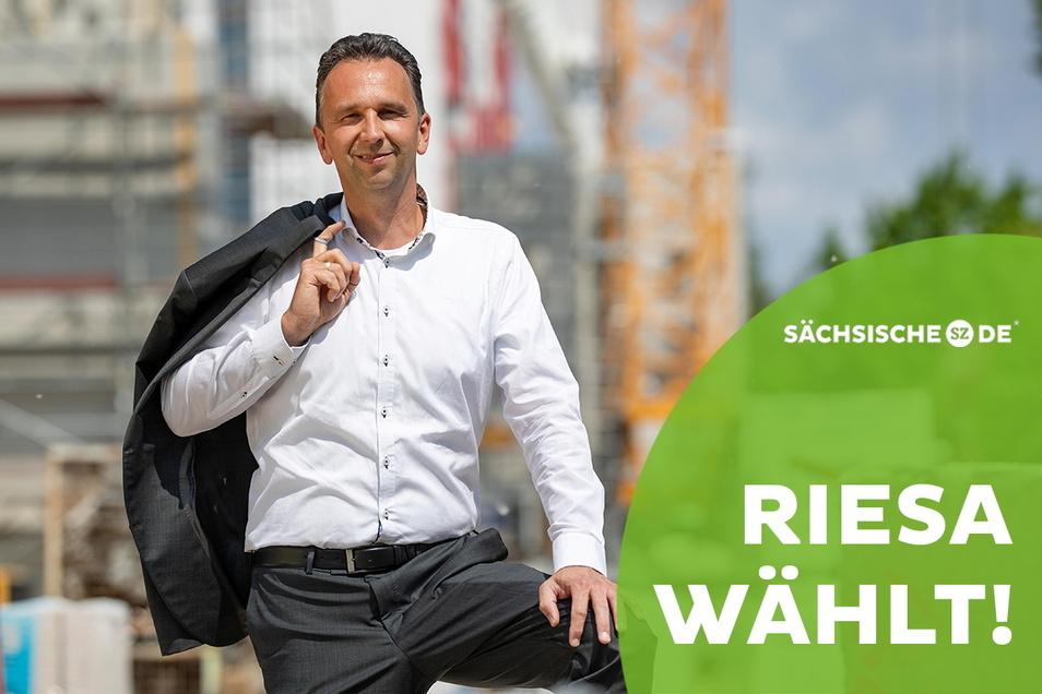 Amtsinhaber Marco Müller (CDU) hat sich für das OB-Kandidaten-Interview die Baustelle an der Dresdner Straße ausgesucht: Dort investiert der städtische Vermieter WGR gerade sechs Millionen Euro in die Modernisierung eines Wohnblocks.