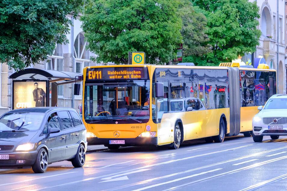 Straßenbahnen und die meisten Busse werden bis Dienstagabend in Dresden nicht fahren - die Dresdner Verkehrsbetriebe werden bestreikt.
