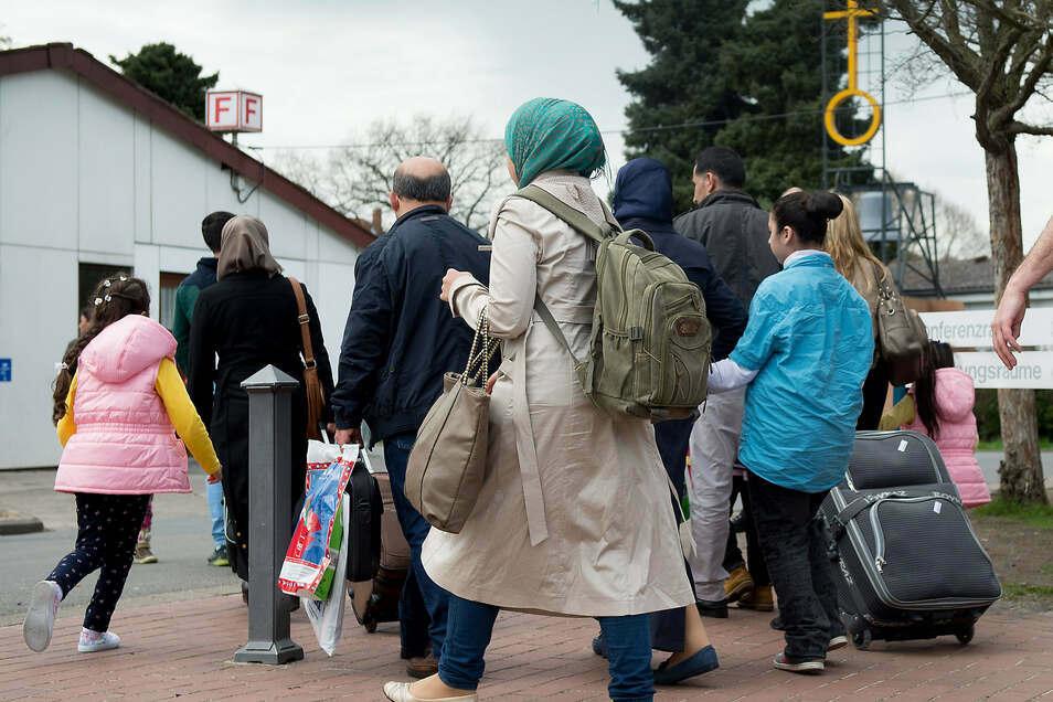 Symbolbild. Viele Flüchtlinge nutzen die Hilfe von Schleusern, um nach Deutschland zu gelangen.