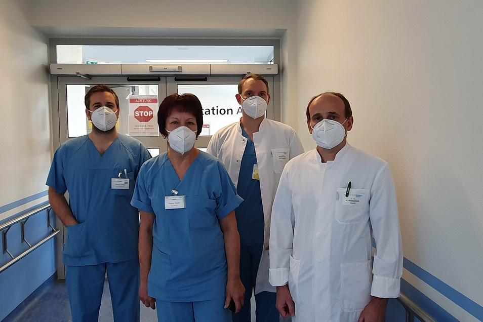 Das Leitungsteam der Coronastation A II im Städtischen Klinikum Görlitz: Oberarzt Dr. Heiko Hildesheim, Dr. Benjamin Küßner, Martina Sander, Norman Balzer (von rechts nach links)