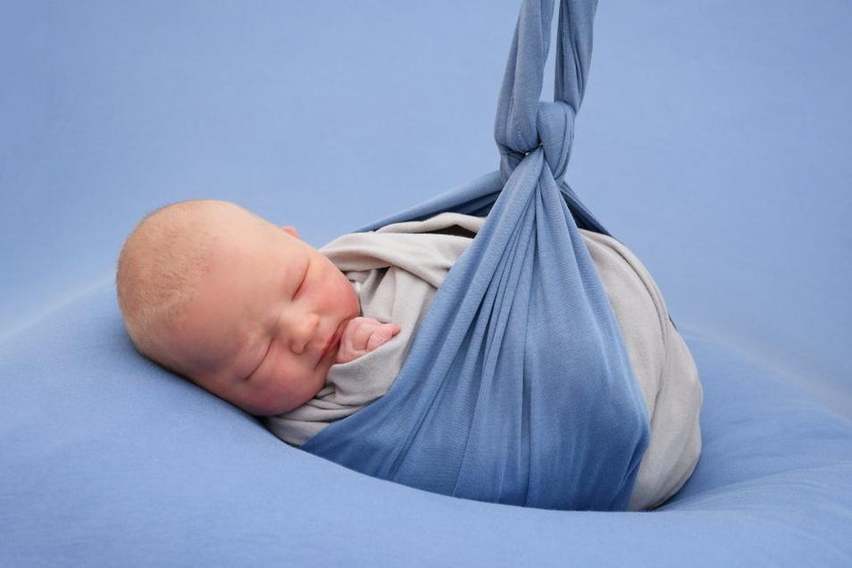 Louis, geboren am 11. Juli, Geburtsort: Pirna, Gewicht: 3.655 Gramm, Größe: 51 Zentimeter, Eltern: Denise Nemann, Wohnort: Pirna
