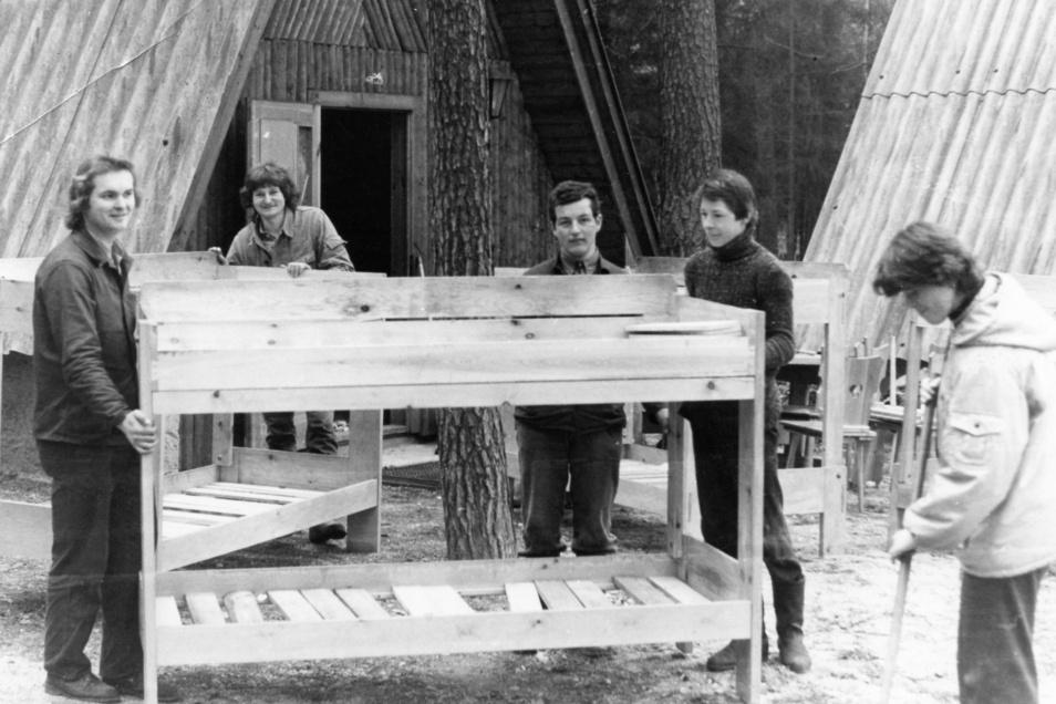 Schon zu DDR-Zeiten war das Waldschulheim Stannewisch ein beliebter Ort für Kinder und Jugendliche. Damals dienten sechs Finnhütten als Unterkunft und die Doppelstockbetten wurden von Jugendlichen 1982 aus Brettern selbst gebaut.