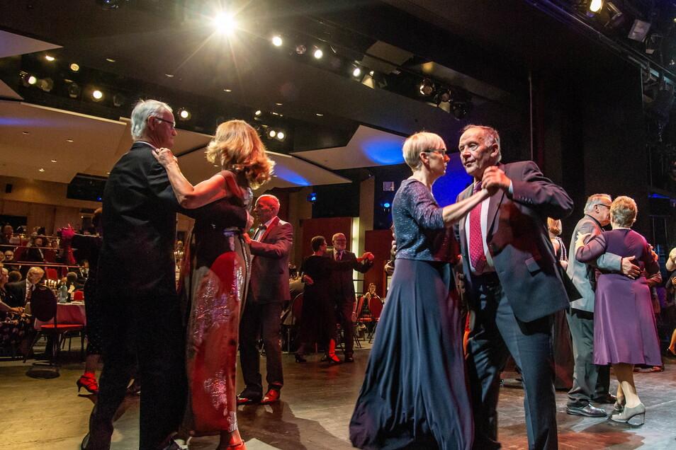 Im November findet nach einem Jahr coronabedingter Pause am Bautzener Theater wieder der Bühnenball statt.