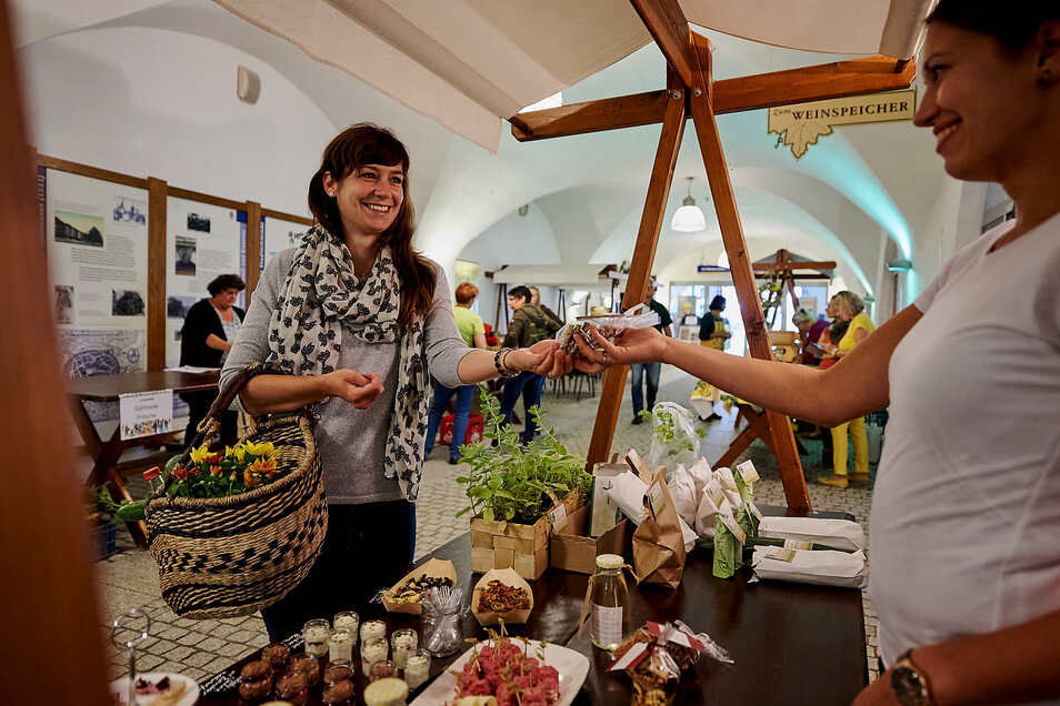 So geht lokal! Die Marktschwärmer (wie hier in Zittau) machen vor, wie regionale und nachhaltige Produkte an die Frau kommen.