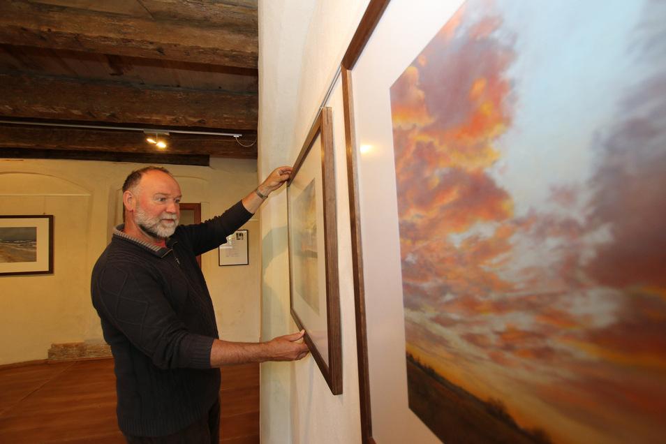 In den neuen Ausstellungsräumen im Abthaus des Klosters Buch zeigt der Leisniger Maler Christbert Steude die Natur von ihrer schönsten Seite.