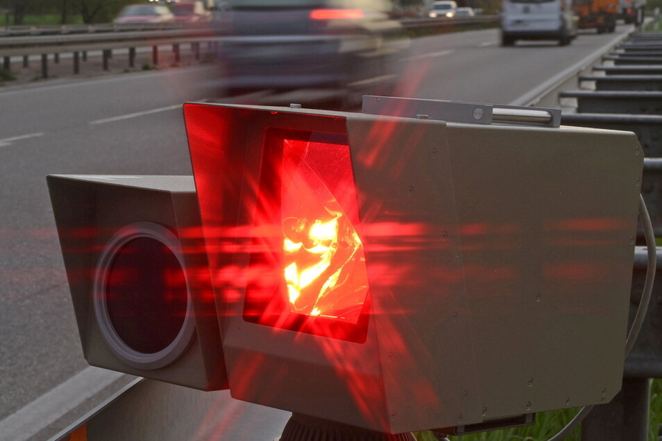 Auf der A 4 bei Ohorn wurde jetzt ein Autofahrer mit 154 km/h geblitzt - aufgrund einer Baustelle gilt dort derzeit Tempo 80.
